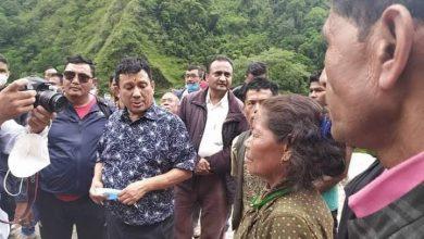 Photo of बाढी प्रभावित क्षेत्रमा मन्त्री गुरुङ