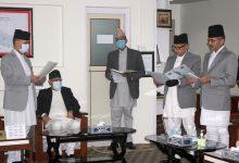 Photo of न्यायाधीश चुँडाल र सुवेदीबाट शपथ